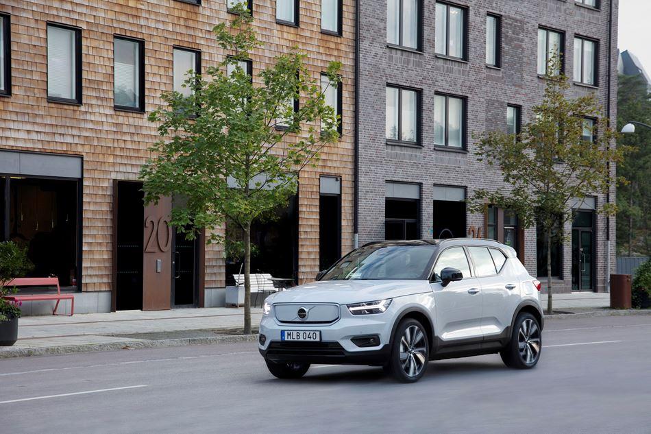 Volvo Cars розпочинає виробництво повністю електричного кросовера XC40 Recharge
